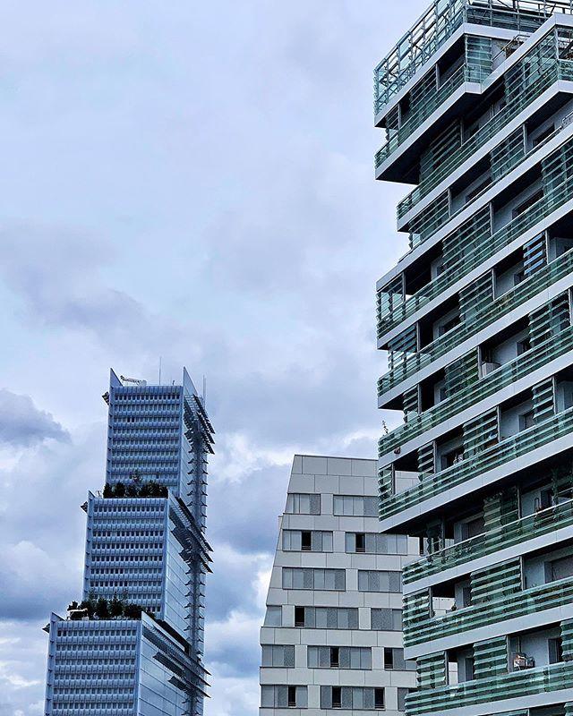 #renzopiano #modern #architecture #skyscrapers #rebirth #batignolles #batignollesparis #paris #france #photography