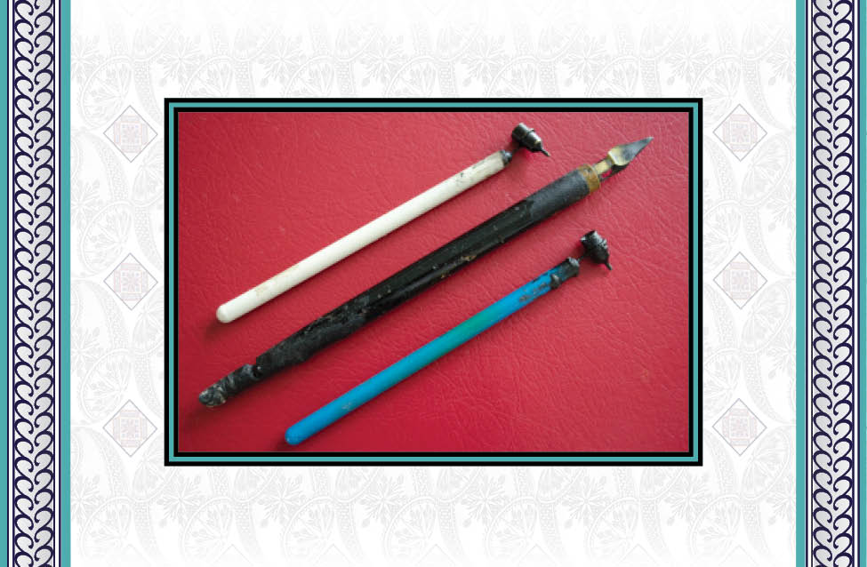 - A stylus is needed to apply melted beeswax on the eggshell. The Ukrainian term for this tool is kistka but it is also informally called a