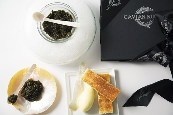caviar-accessories-serving-spoons-compressed-eeed1919078a25bc4e622d1f9d2a097d166c23eb31cc40ff4646d373f66df4c5.jpg