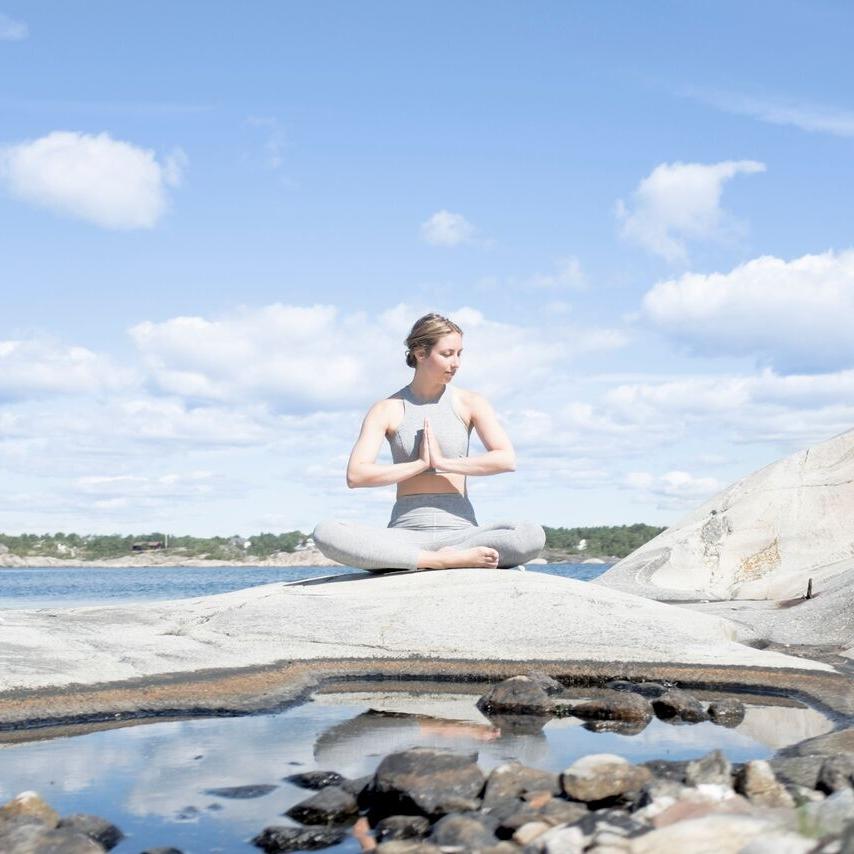 Coconut Yoga   Inspiring Wellness - The Moment