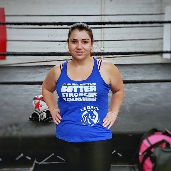 Congrats to Zarui for leveling up to BLUE tank! She has been able to reach her short term weight loss goals so far and has kept it off 🙏🏽 She also has been able to be more consistent with her time at the gym and has been able to get stronger because of it 🙏🏽 You are killin' it... we are so proud of you! 👏🏽👏🏽. . . . . . #fitness #instafit #bootcamp #fitfam #fitspo #sweat #goals #fitjourney #fitlifestyle #weightloss #fitgoals #burbank #glendale #bootcampworkout
