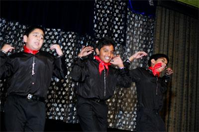Children's Dance at Chitrahar Night 2005