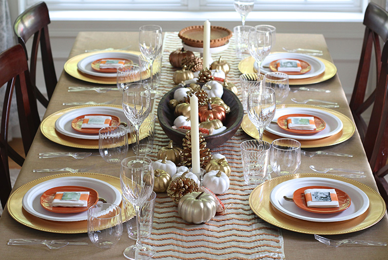 Source: https://www.mychinet.com/whats-new/make-your-own-metallic-tablescape-thanksgiving