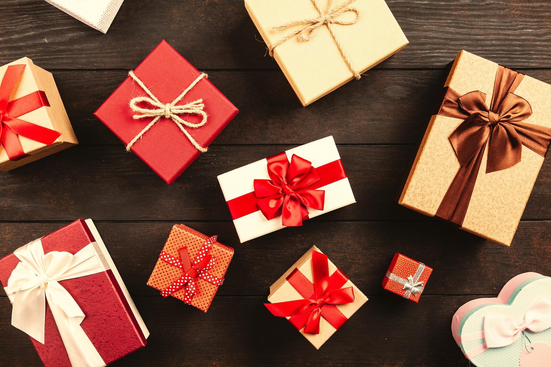 gift-3587235_1920.jpg