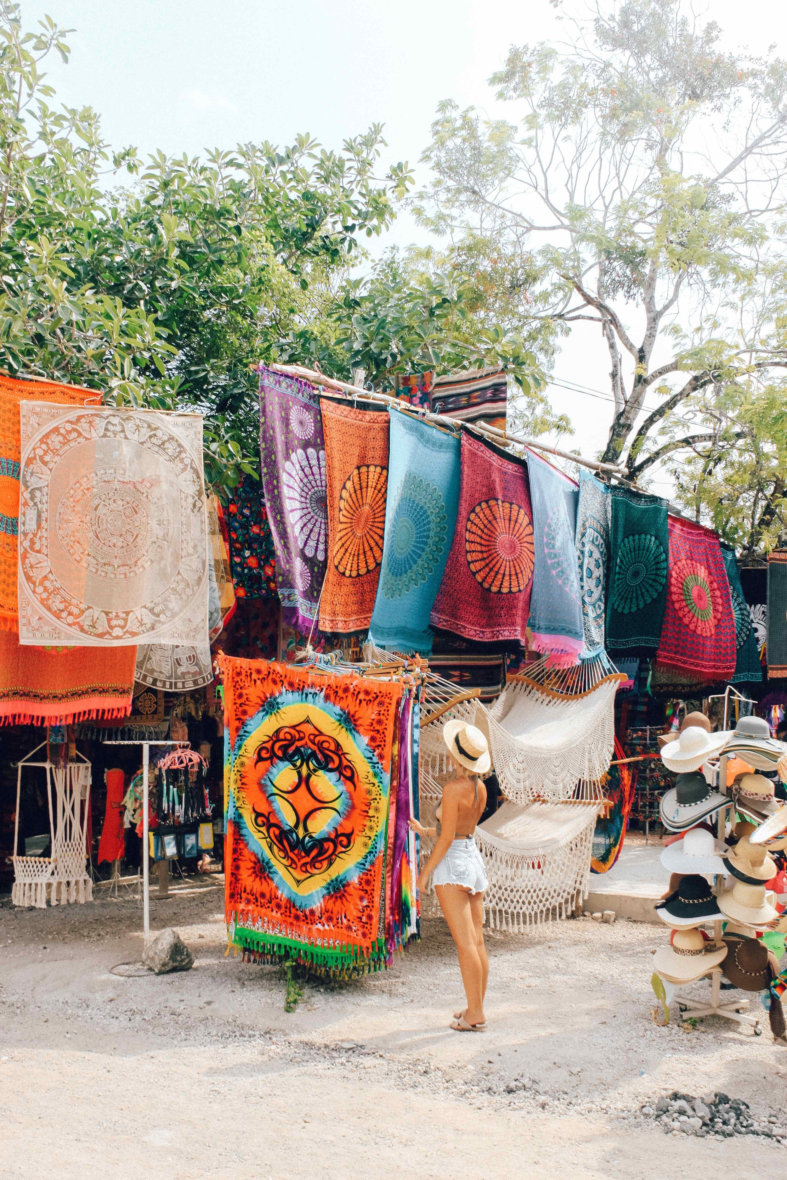 Markets at the entrance of the Tulum Ruins