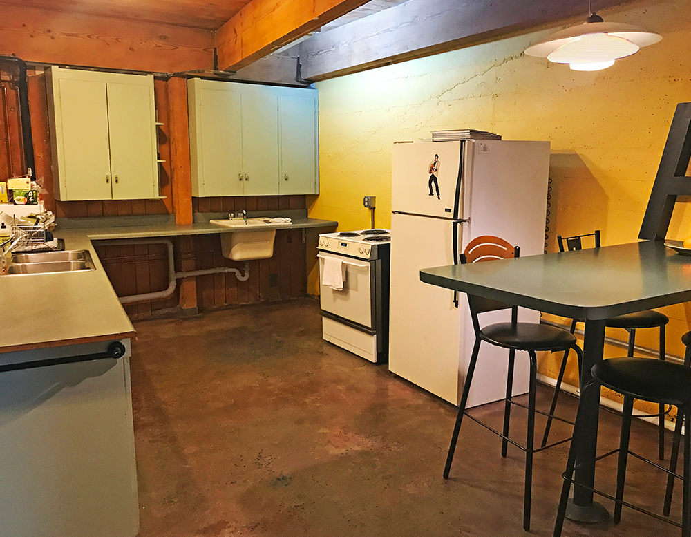 Kitchen.Studio.Small.IMG_1090 copy.jpg