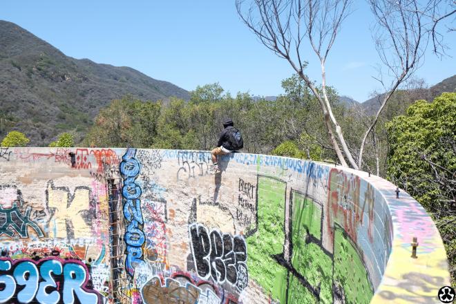 ape-is-dapper-los-angeles-nazi-yards-graffiti-15.jpg