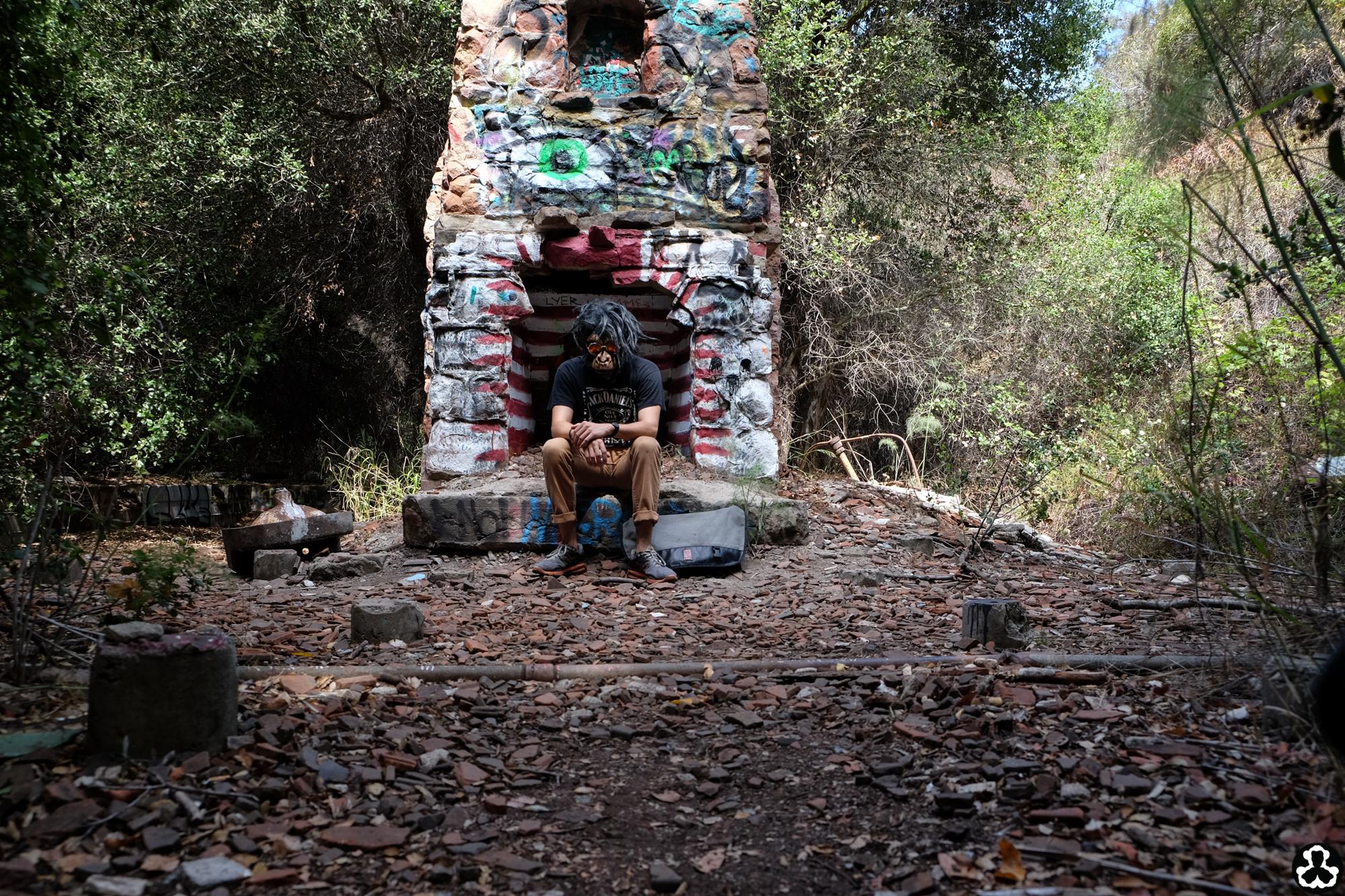 ape-is-dapper-los-angeles-nazi-yards-graffiti-9.jpg