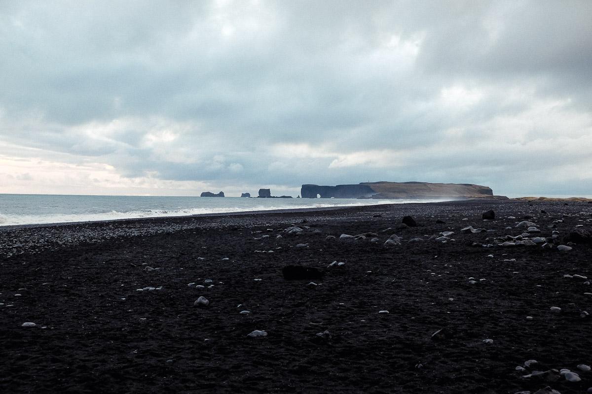 6 days in iceland black sand beach