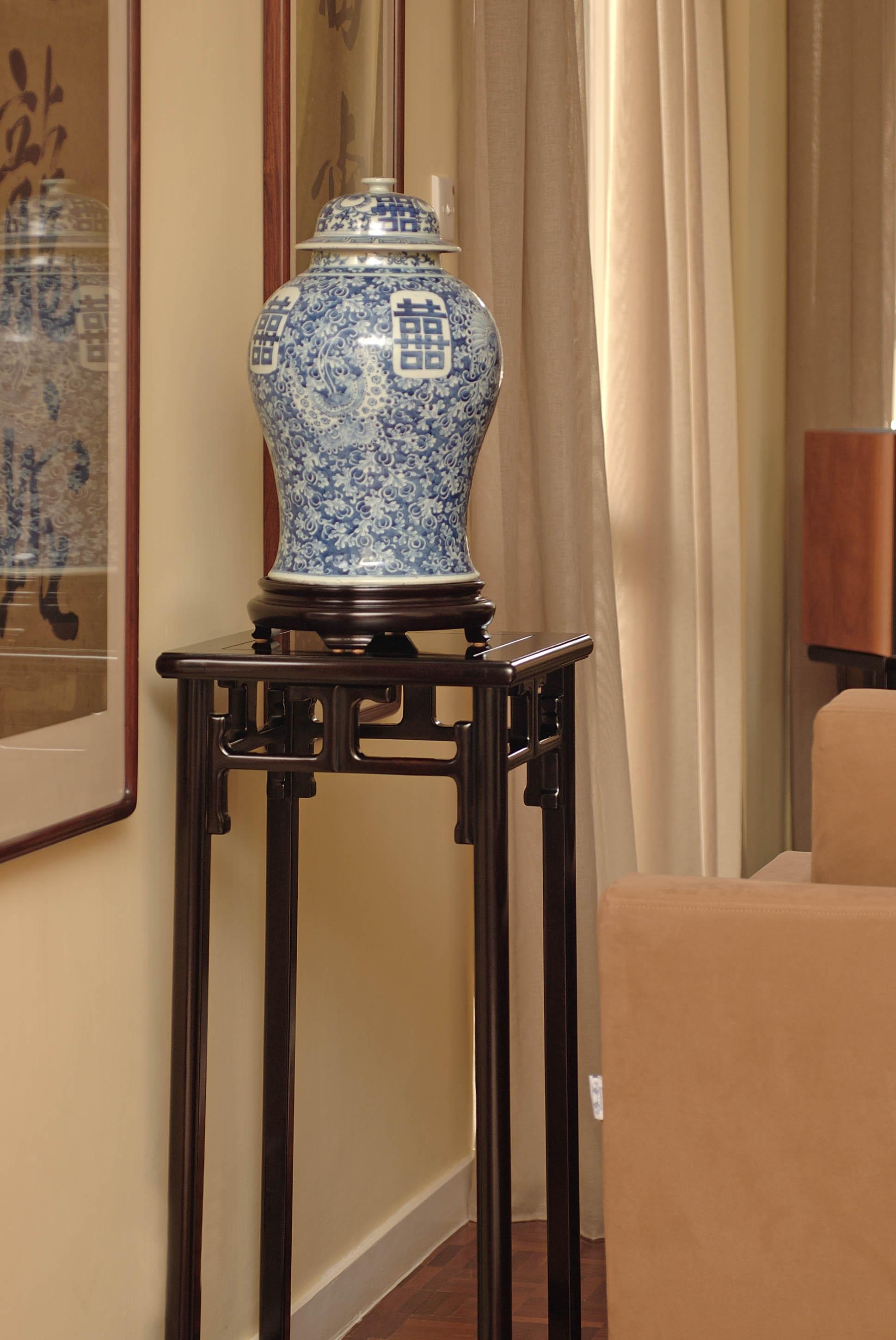 ....bespoke chinese qing style furniture : stand..特别定制中式清式家具 : 花几....