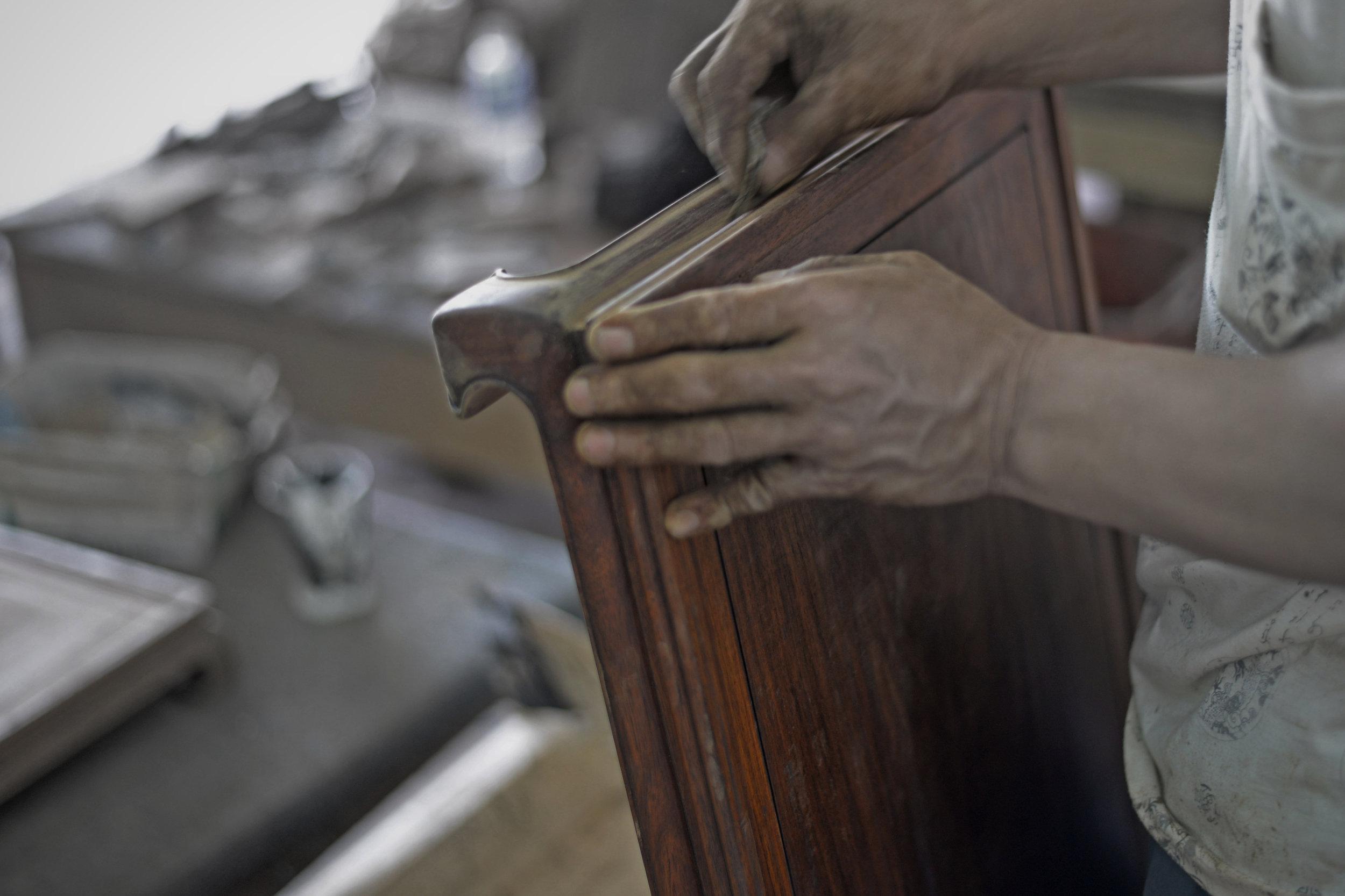 ....bespoke furniture : artisan crafting photo..特别定制家具 : 公丈制作照片....
