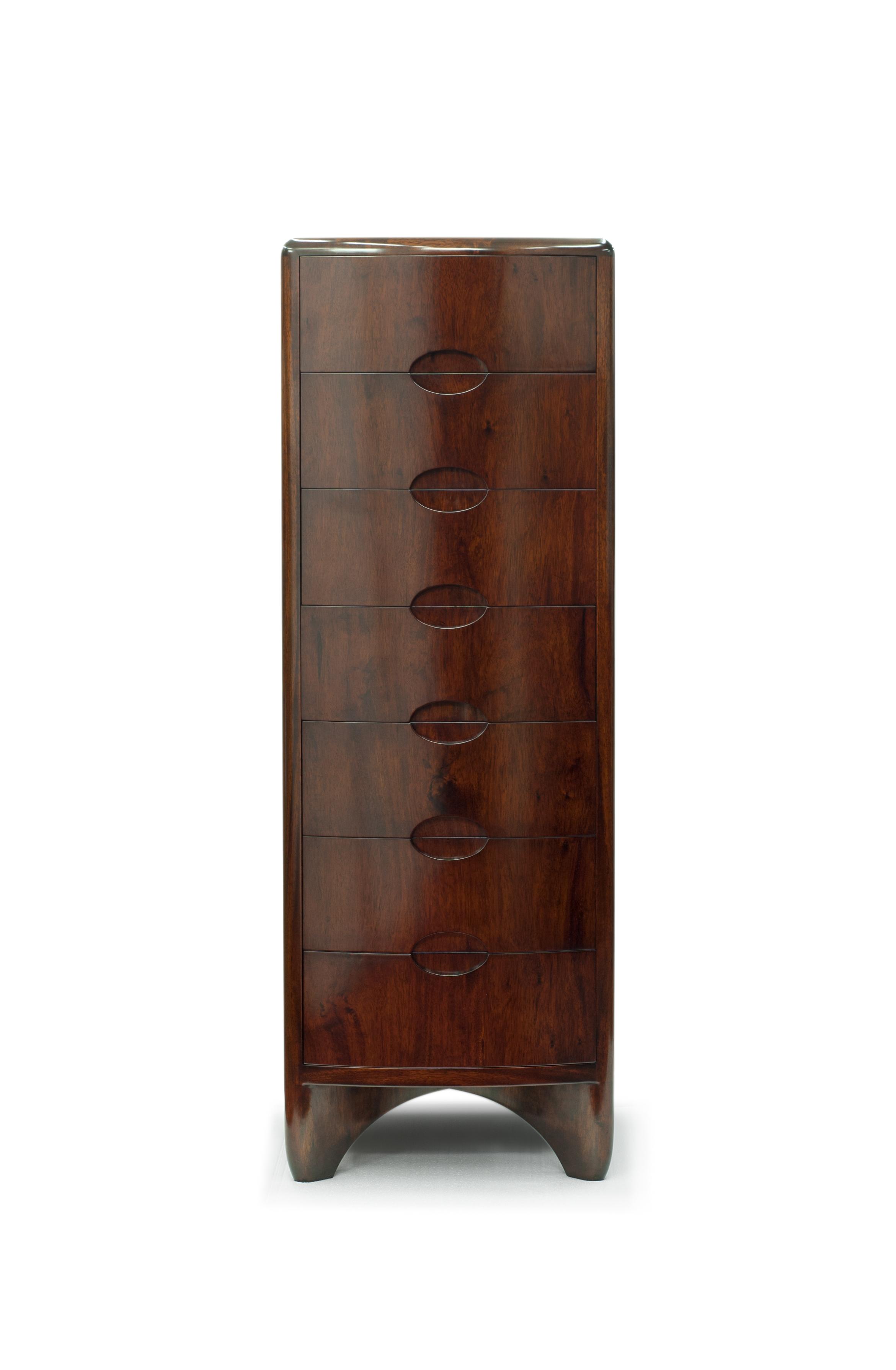 ....bespoke furniture : tall chest ..特别定制家具 : 高抽屉柜....