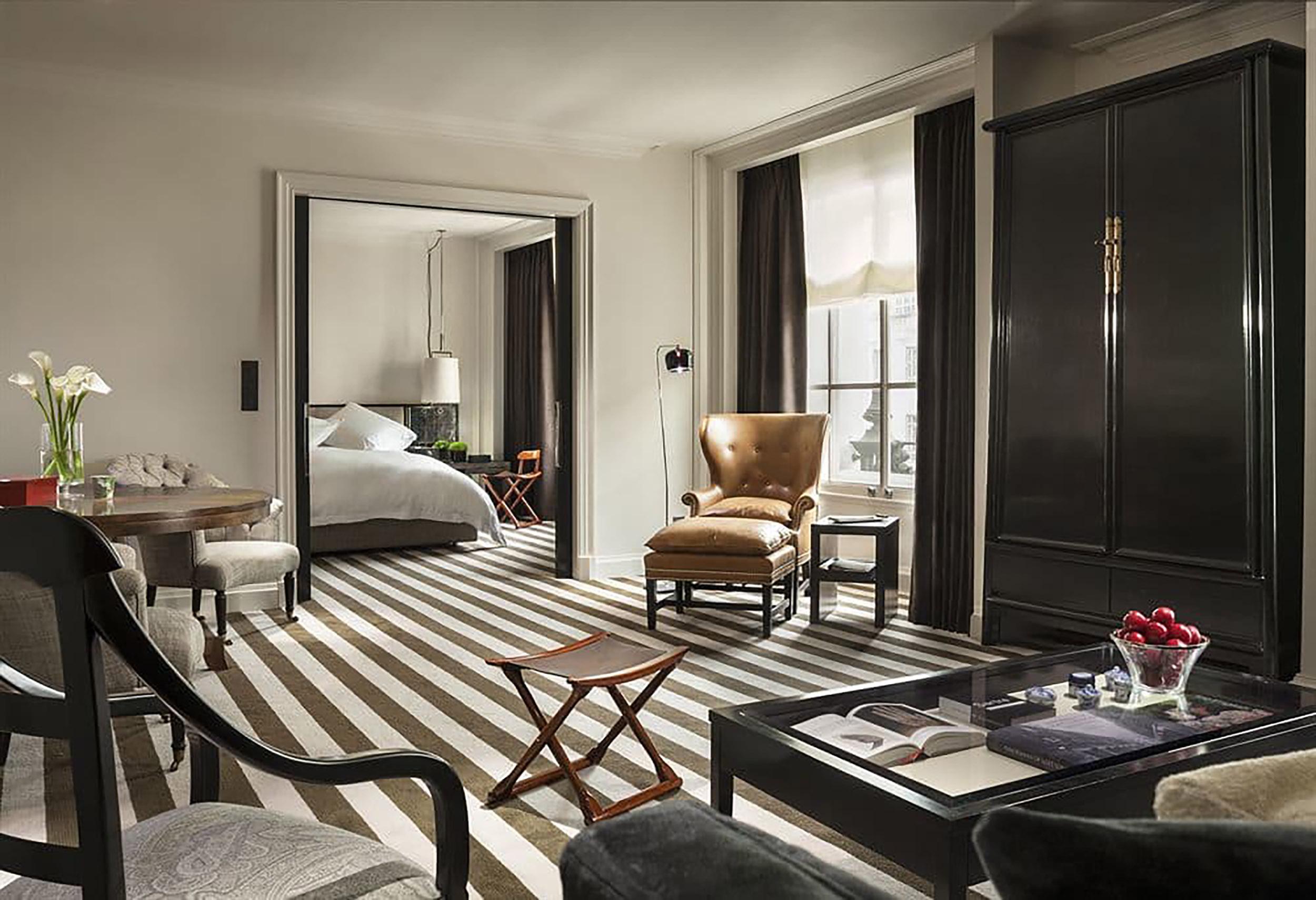 ....bespoke furniture   rosewood london : splay leg cabinet..特别定制家具   瑰丽伦敦酒店:大柜....