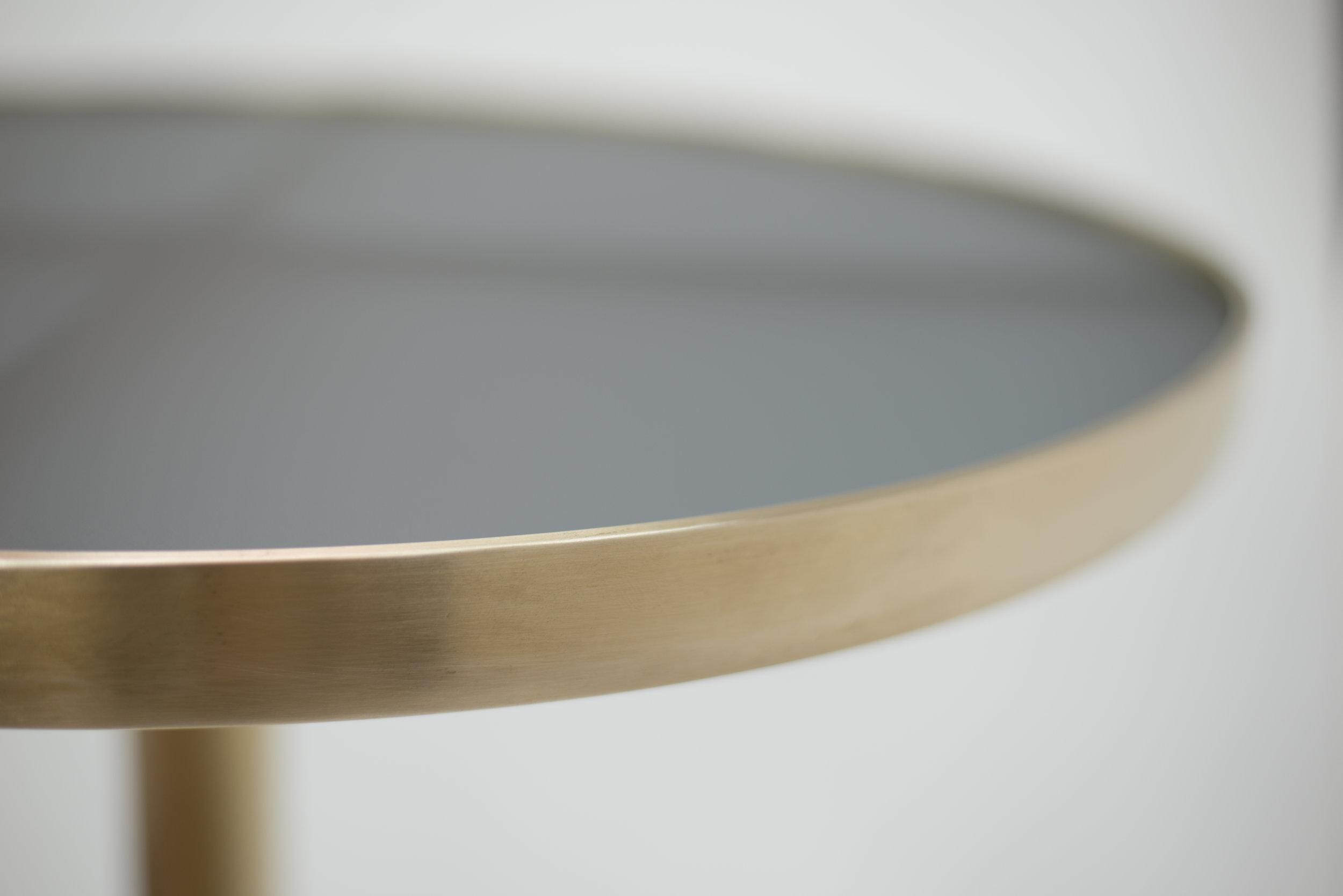 ....bespoke furniture : solid brass round table..特别定制设计现代家具 :黄铜圆台....
