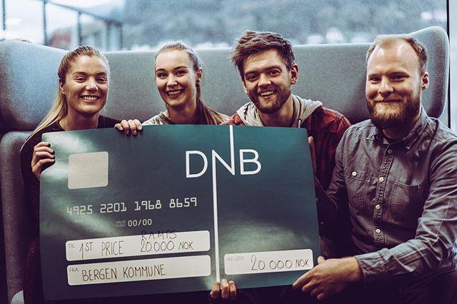 Vi gikk til topps med «Tjommi» i første Hackathon på medielaben i @mediacitybergen 👊🏼🔥 Veldig gøy! #infomediauib #mediacitybergen #uibutdanning #hackathon #bergen #norway #skrytebilde 📸 @gunnarsdott