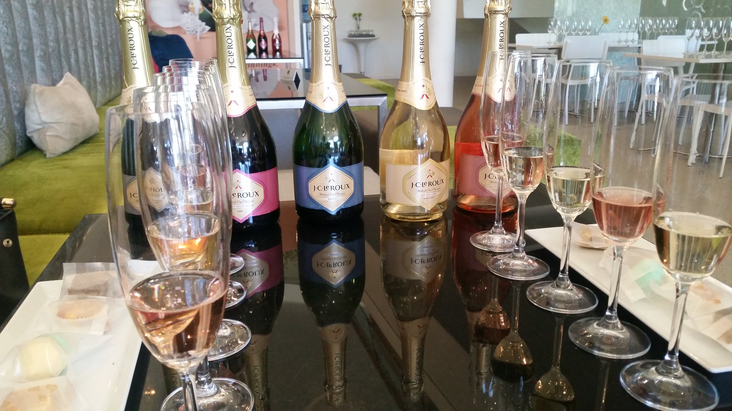 Tasting locally made sparkling wine in Stellenbosch
