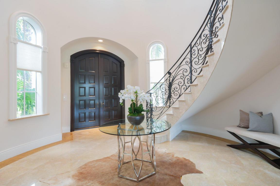 custom staircase 2.jpg