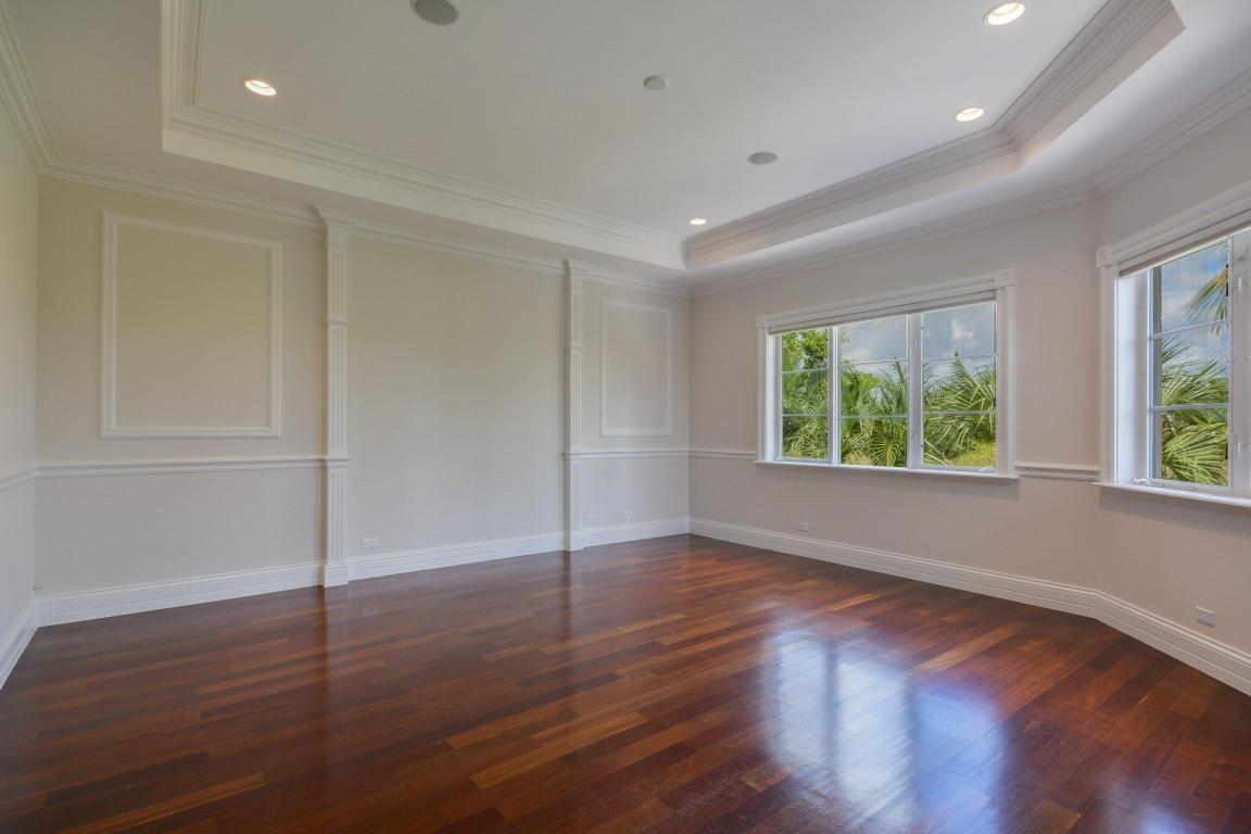 custom trim and flooring pic 1.jpg