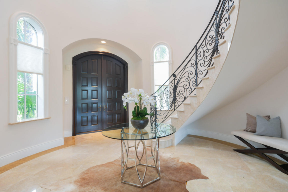 custom staircase 2.jpg