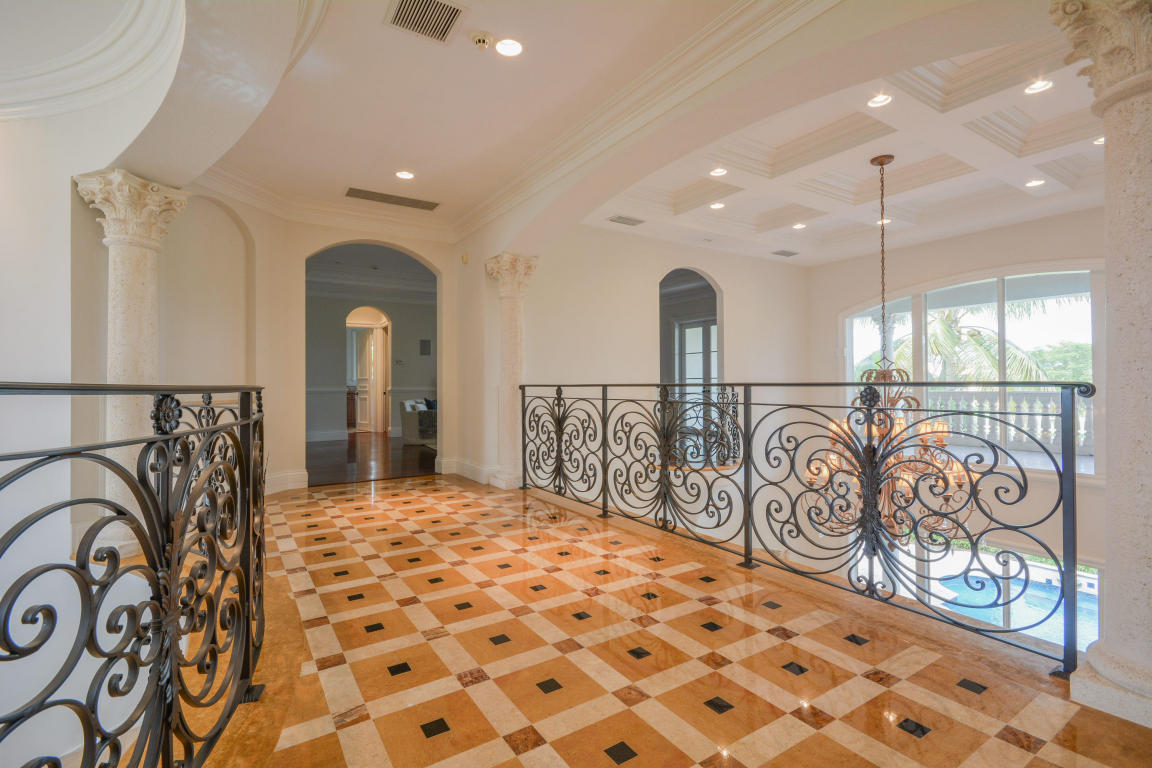 hallway pic 2 with railings.jpg