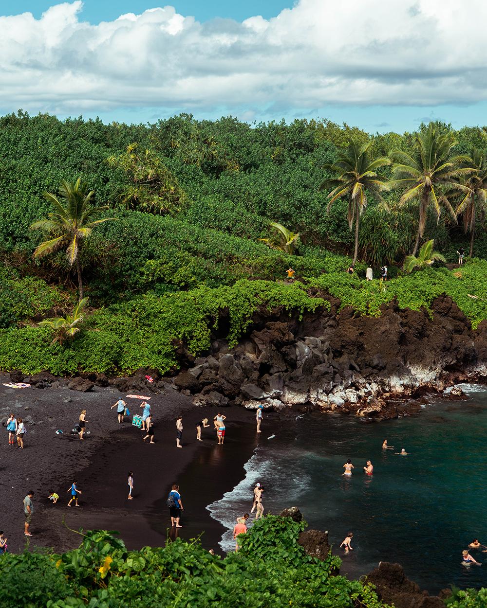 Black Beach Waianapanapa Road to Hana Maui Hawaii to do