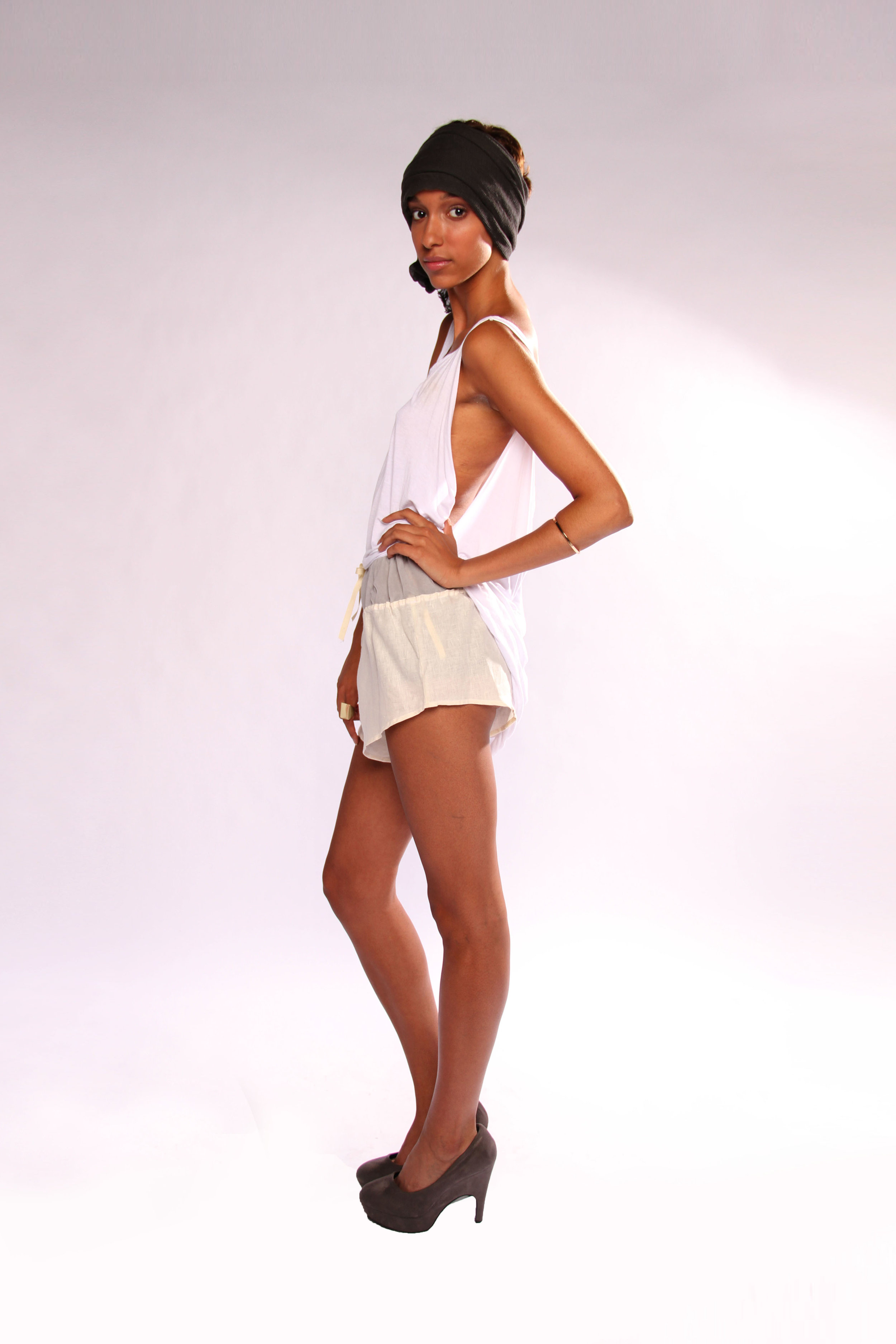 dominique-pearl-collection3_twisted-tank-ivory-linen-short.JPG