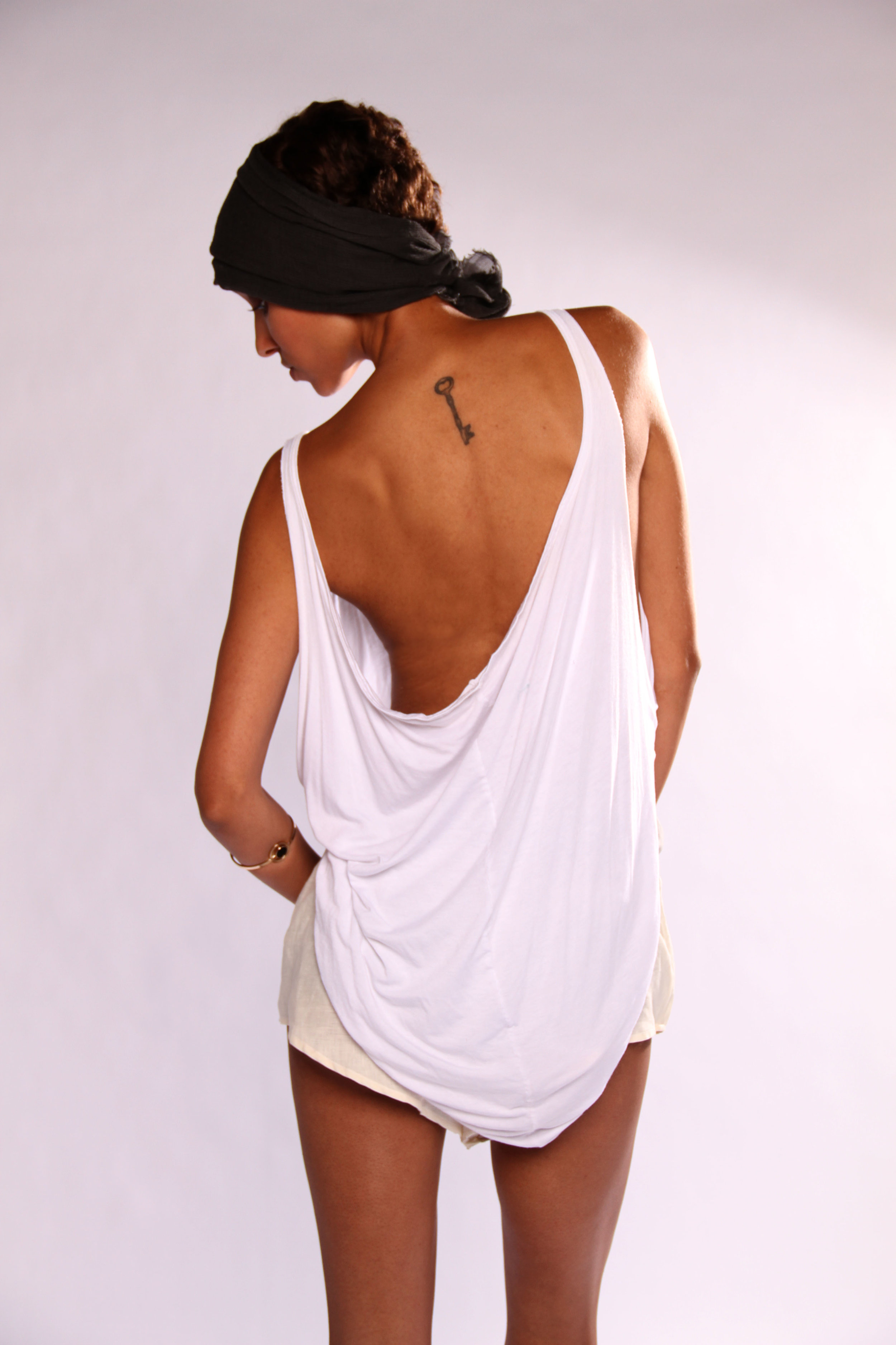 dominique-pearl-collection3_twisted-tank-linen-short.JPG
