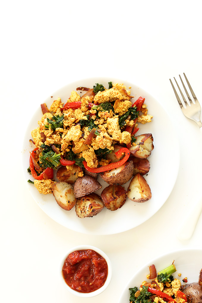 Easy-Southwest-Tofu-Scramble-10-ingredients-simple-preparation-and-SO-delicious-vegan-glutenfree2.jpg