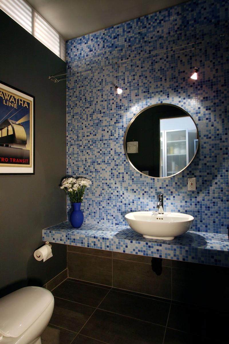 Juliet-House_Interior_upstairs_bath.jpg