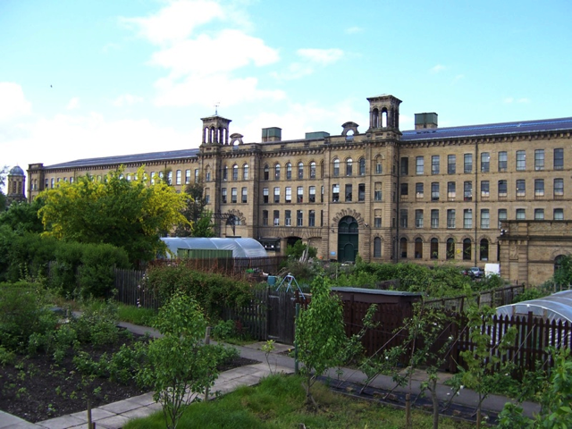 Salts Mill in Saltaire. Photo used under Wikimedia Commons License.