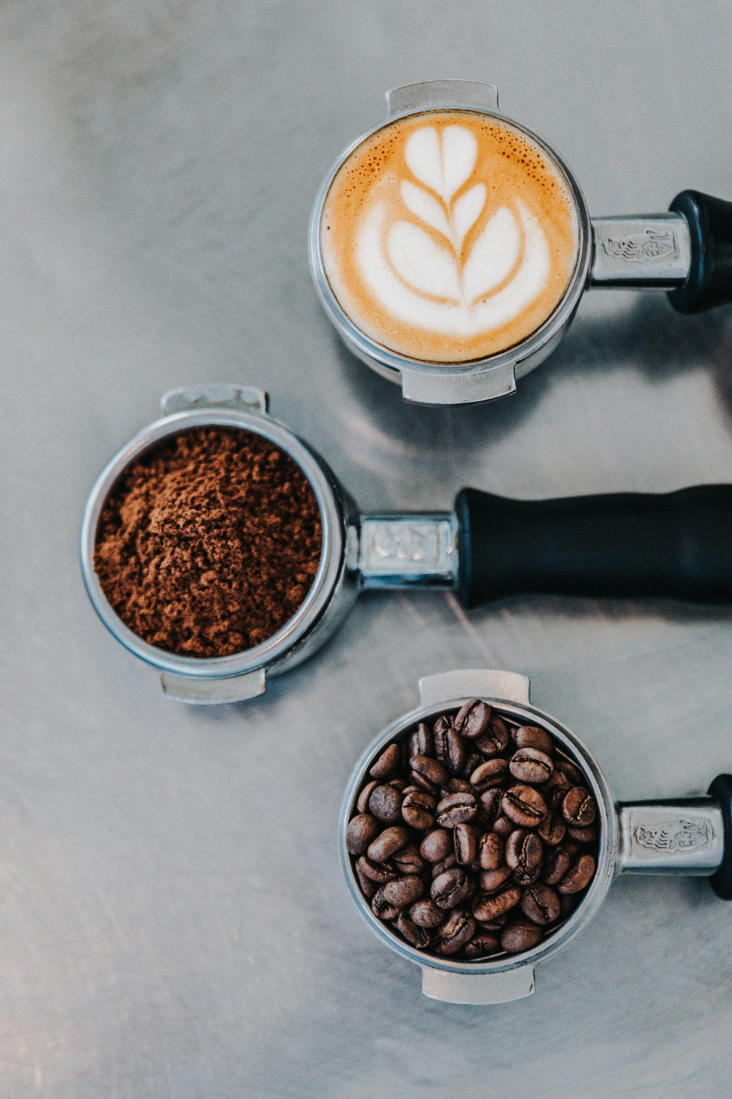 Coffee Passion - Unsere Philosophie basiert auf simplen Werten. Unsere Produkte und unsere Services können nur so gut sein wie das, was als Zutat verwendet wurde. Wir verschwenden keine Zeit mit Worten, wir machen das Offensichtliche zu unserer Maxime. Fair sein, genießen und auf den guten Geschmack hören.