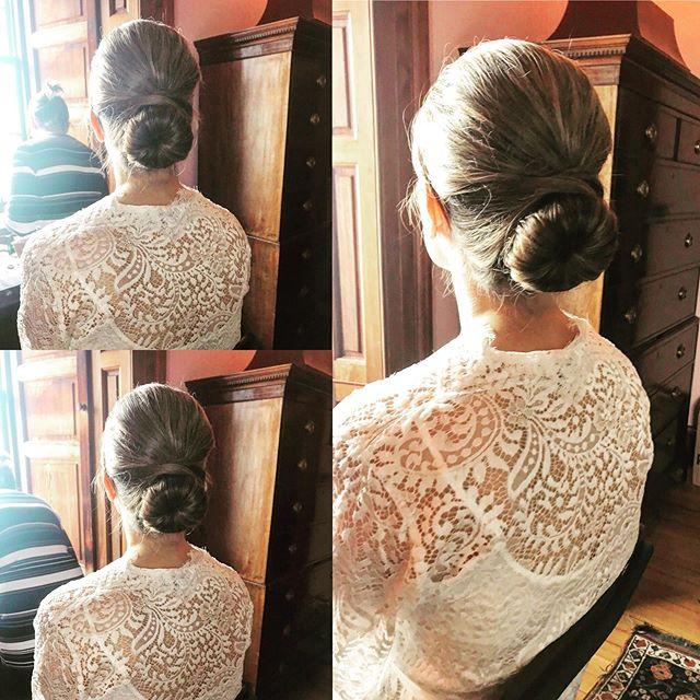 Keep it simple and classic with a beautiful, chic bun 🥰  #wedding #weddinghair #hairstyles #chic #bride #bridalhair ##emmascottweddinghair #loveweddings
