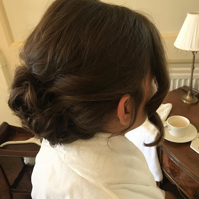 Bridesmaid hair 💁🏻♀️ Making sure your hair looks good from every angle!#nofilter #bridesmaids #hairstyles #hairupdos #bridesmaidhair #weddinghair #rowallancastle #loveweddings #updo #emmascottweddinghair