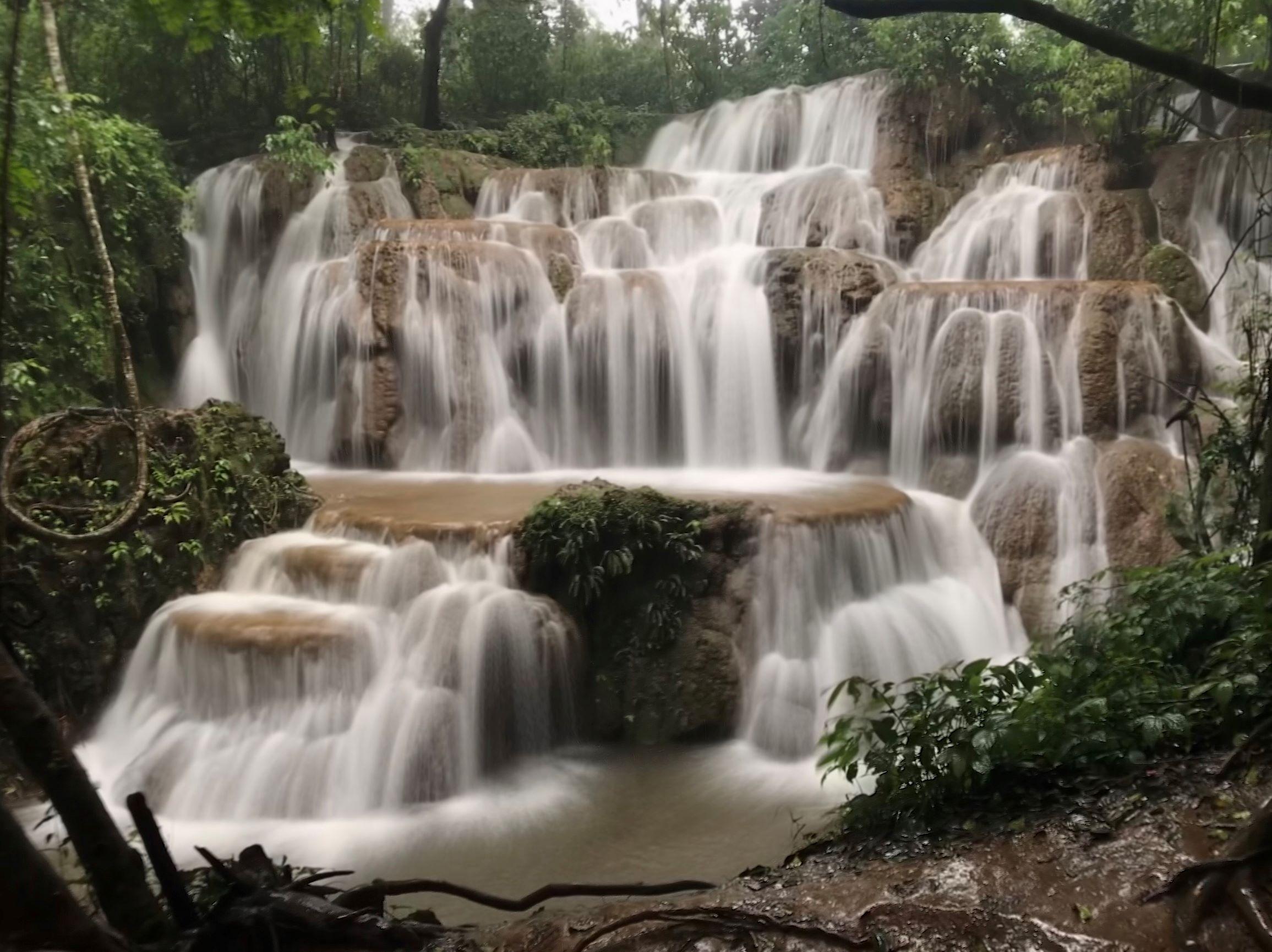 Taw Kyal Waterfall