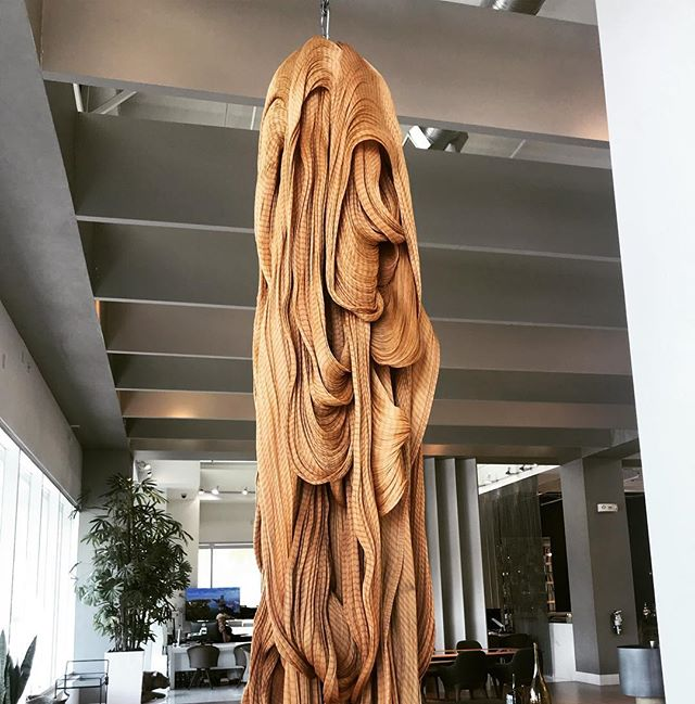 Artefacto is a staple in so many Miami #newconstruction sales galleries and luxury homes. At a recent visit to their showroom in Aventura, we were struck by this hanging woven & golden sculpture. @artefactomiami who designed this?!? #need #love #whatisthis #artefacto