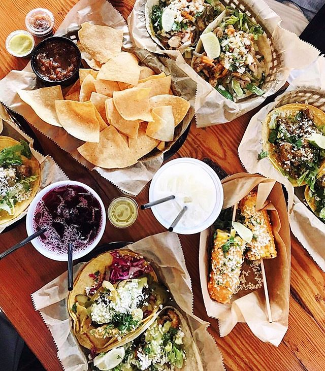 What a GLORIAous (#LGB!!!) day to enjoy dinner #alfresco!!! 🍴☀️ HAPPY HOUR 3 - 6pm 😃 AND it's #TacoTuesday so your favorite @tacobuddha #tacos are Buy Two 🌮🌮 Get One 🌮 FREE  PLUS.... 👇 🥣 $1 off Chips & Dip Apps 🍻 $3.50 @santafebrew Beers 🍹 $5.50 House #Margaritas + $20 Pitchers ✌️ $2 off @unavidatequila Top Shelf Margs 🍷 $6 Glasses of #Wine + $25 Bottles #tacobuddha #thebuddhaisback #tacobuddhabelly #teamtacobuddha #tacostoobuddhalicious #peacelovetacos #eatwithpeace #stl #stlouis #stleats #stlfood #stlfoodie #stlfoodscene #stlrestaurants #stlhappyhour #explorestlouis #meetstlouis #eatstl #stlgram #stlouisgram #gloria 📸 @lifefully.christine 💛