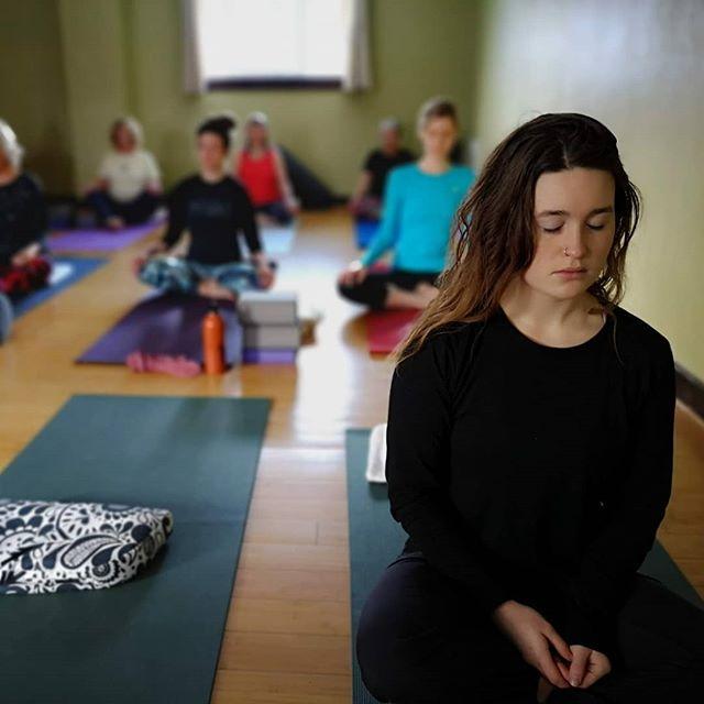 The moment the journey begins, its understood. Peace. It's all inside.  #meditation  #innerpeace #grounded #quiet #yogastudio #innerguru  #thinkingaboutwhatihadforbreakfast