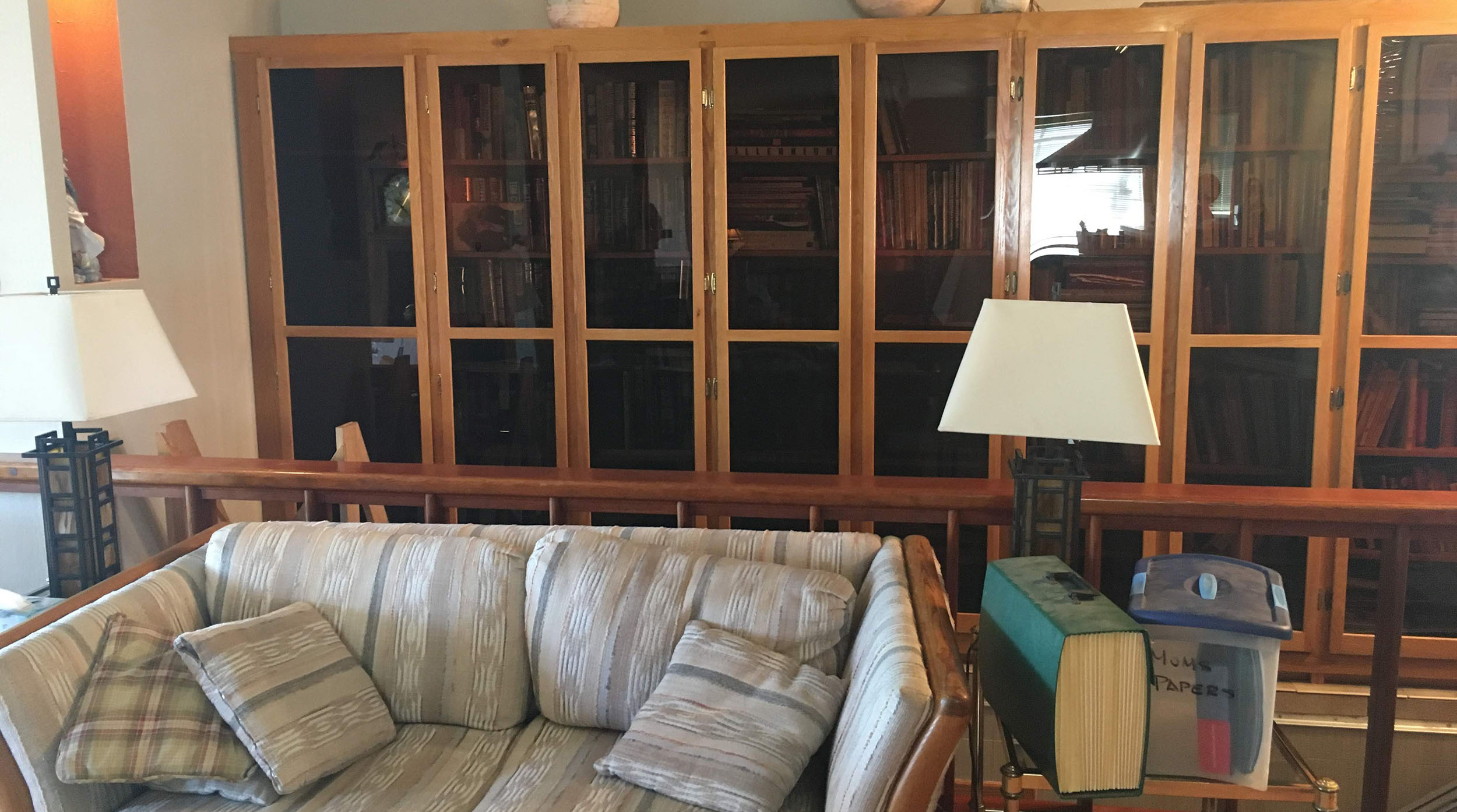 5a_frontroom_shelves.jpg