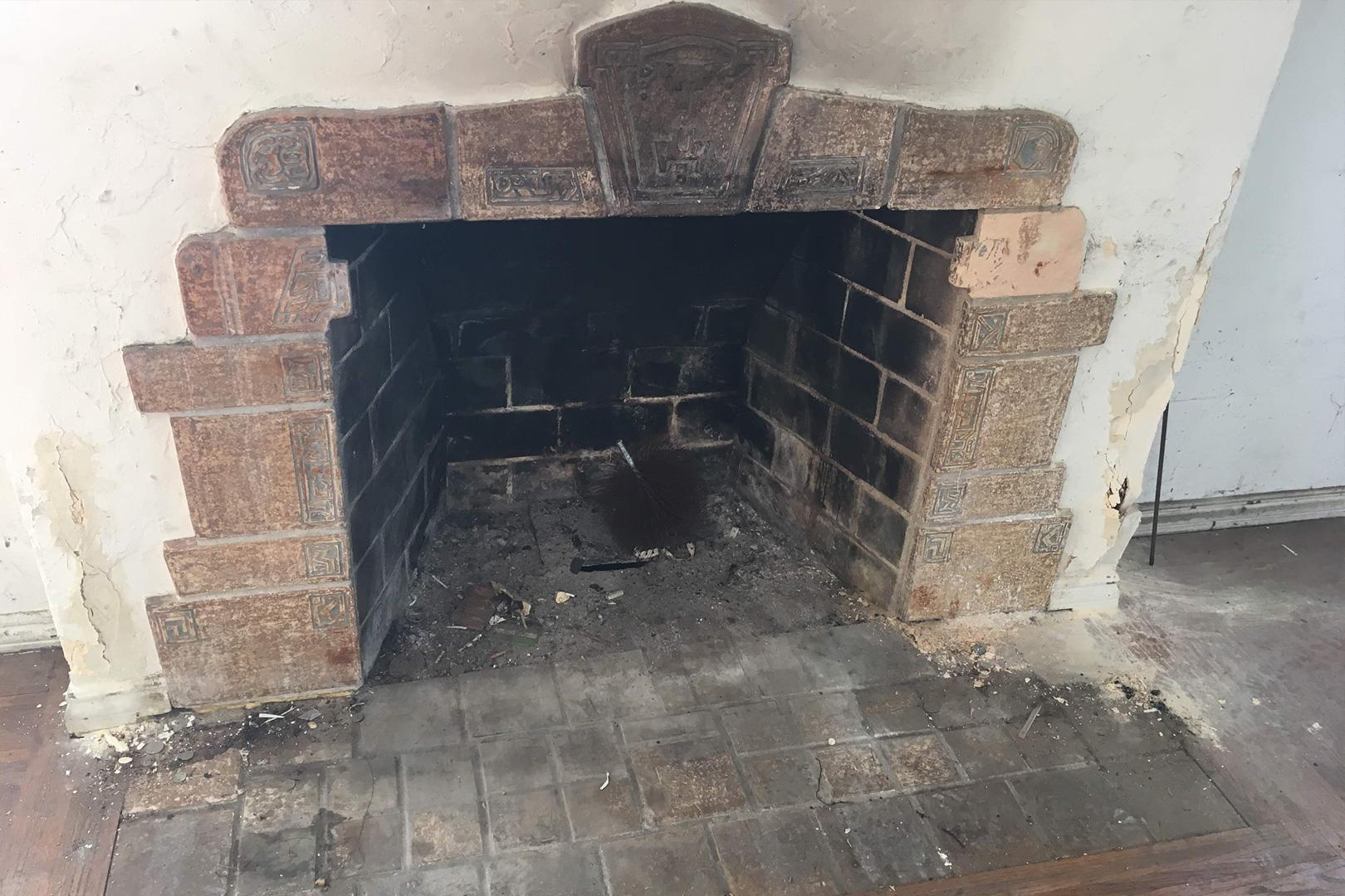 8_fireplace2.jpg