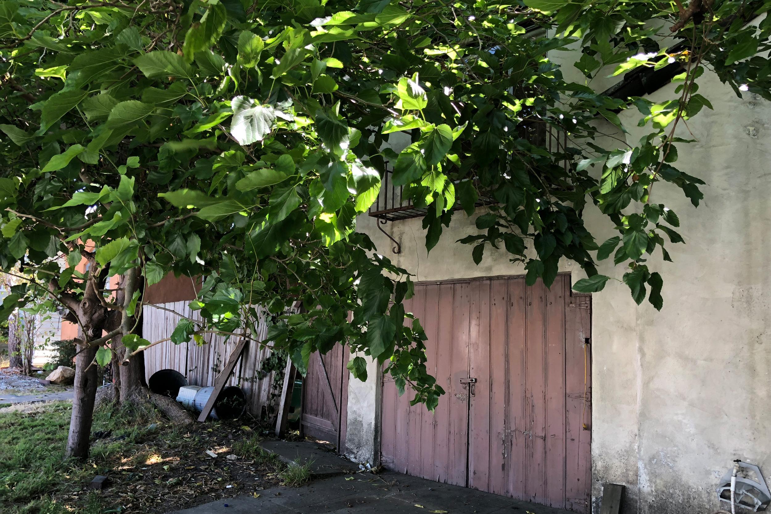20a_garagedoorside.jpg