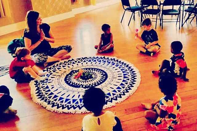 A throwback to one of my first yoga classes with a local daycare! ❤️