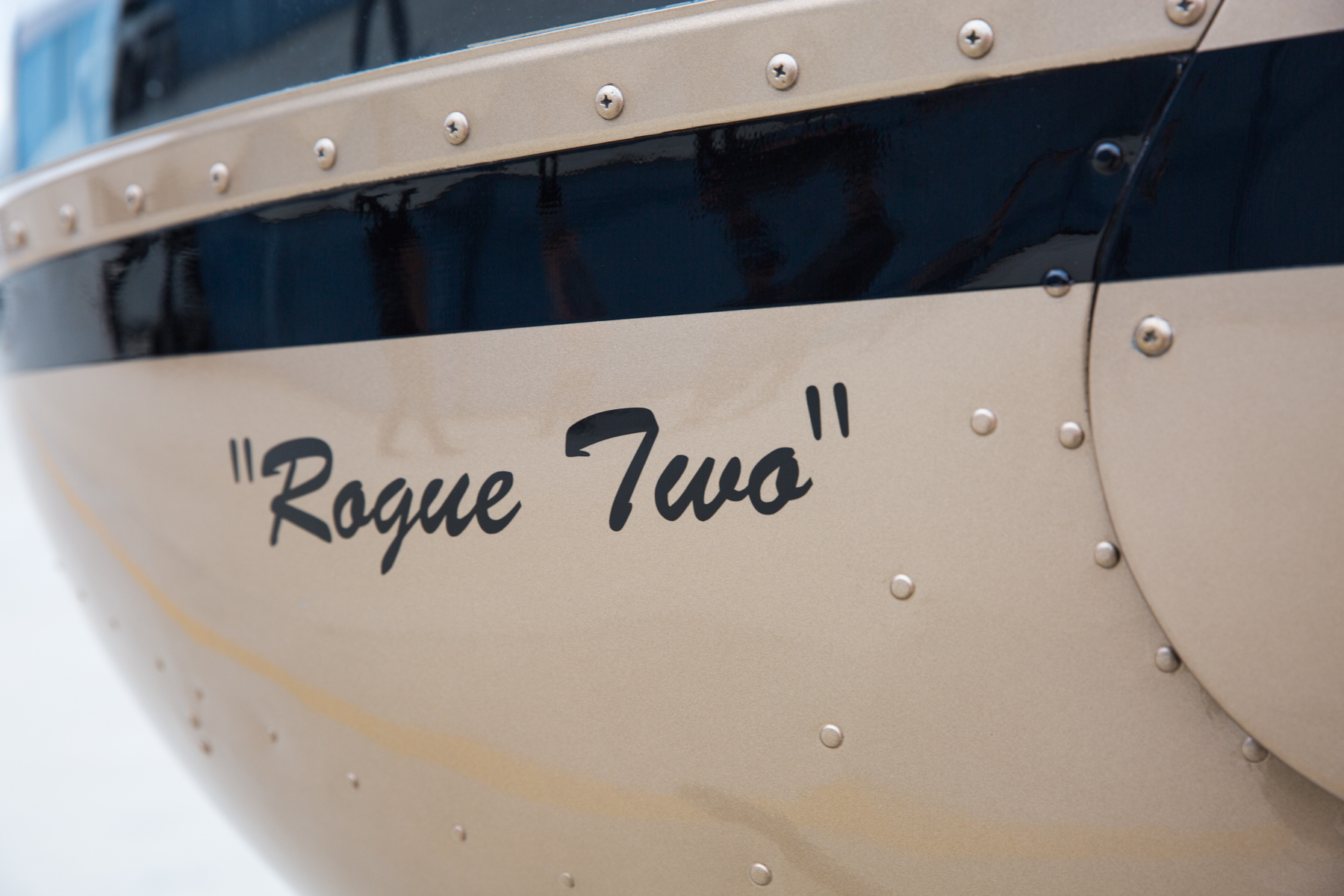 Rogue Two, aka Miss Moneypenny - ◾️R22 Beta.◾️Seats two.◾️Received 2nd overhaul in 2015 with 4500 hours of flight time logged.◾️Lycoming O-320-B2C piston engine.◾️Maximum Gross Weight: 1370 lb.◾️Great for training.