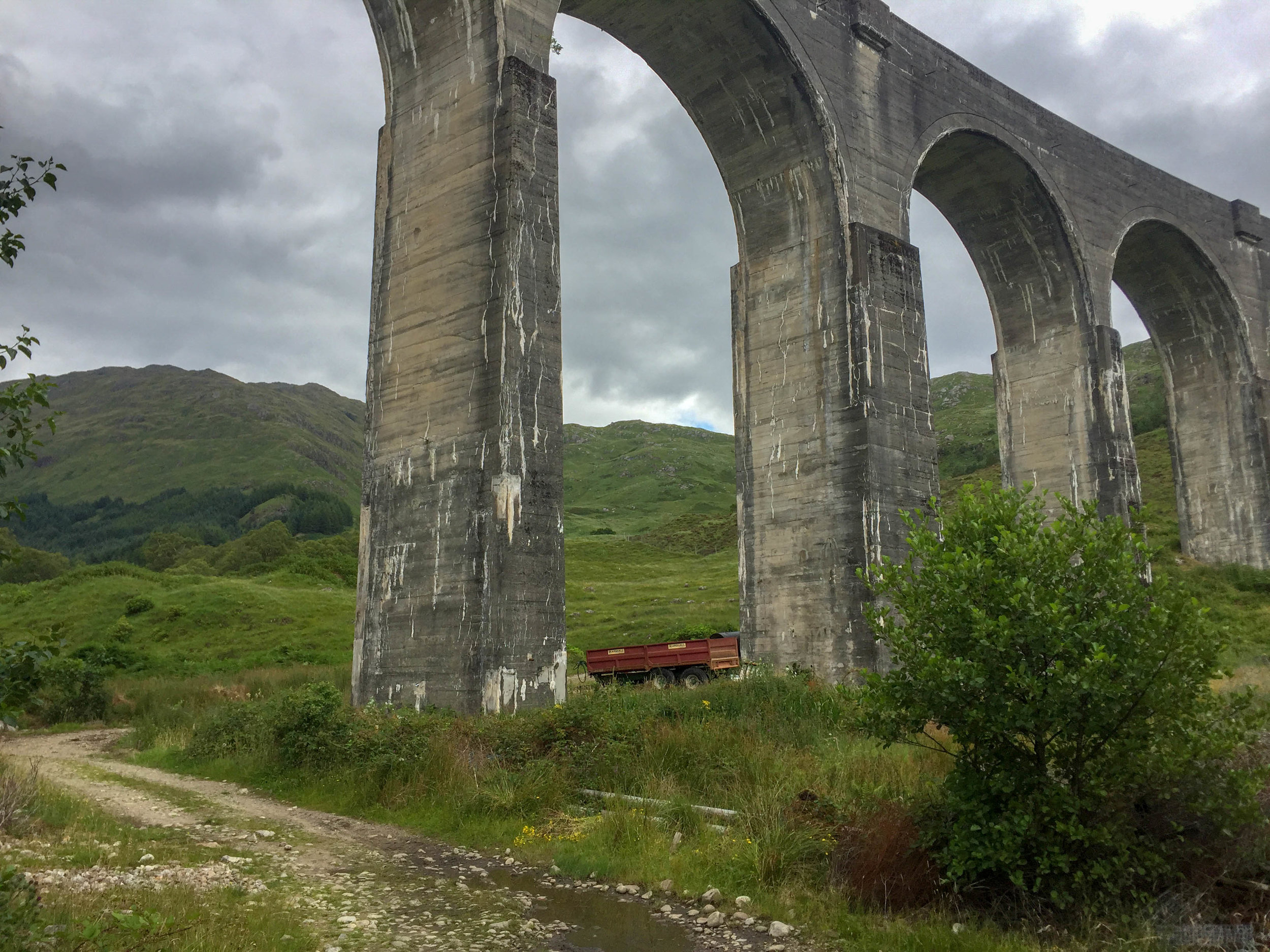 3. Pass through the viaduct arch and head up the path to your right