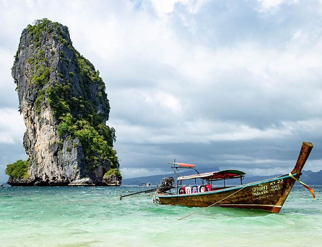 The last stop on our island boat tour, Ko Poda. . . #podaisland #thailand🇹🇭 #longtailboat #thailand #island