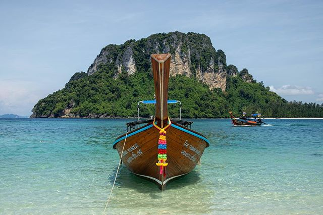 Definitely have a love hate relationship with the long tail boats in Thailand. They have so much character, just wish they could be a little quieter...It's difficult to find a beach where their engines aren't dominating the background noise. . . #longtailboat #thailand #boating #krabi #thailand🇹🇭