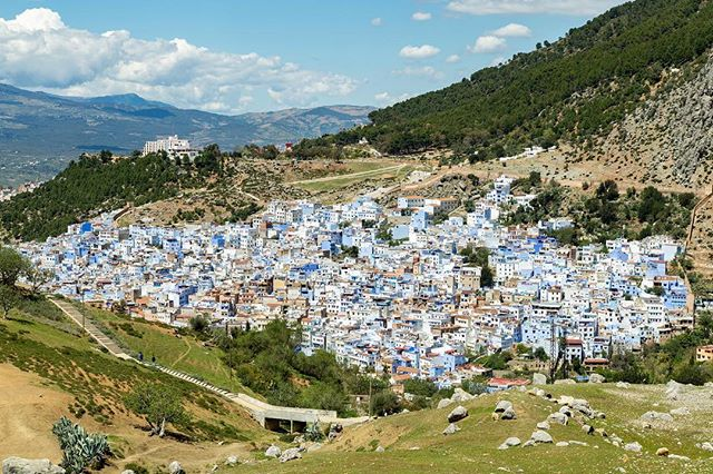 The view of Chefchaouen from the Spanish Mosque, just a short hike outside the city! . . #chefchaouen #chefchaouenmorocco #bluecity #bluepearl #moroccotravel #morocco🇲🇦