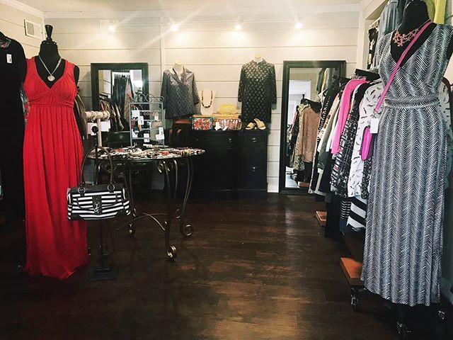 We have so many great spring looks in the shop right now! Kate Spade, Talbots, Kendra Scott, Anthropologie, J. Crew, and more! Stop in soon!