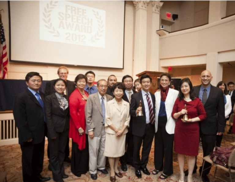 (R to L): Film director Michael Perlman, Jennifer Zeng, Margaret Chew Barringer, Kean Wong, producer; NTD President Zhong Lee, Kean Wong's parents. Left—Charles Lee (Edward Dai/The Epoch Times)