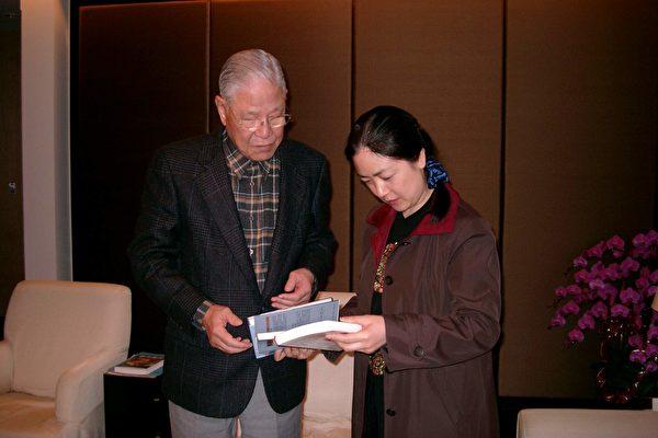 曾錚在臺灣舉行《靜水流深》發布會時拜會前總統李登輝。