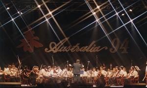 楊軍等在澳音樂家組建的澳洲最大的華人交響樂團澳亞樂團94年在悉尼演出